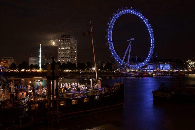 London Eye sur la Tamise by Grand Parc via Flickr