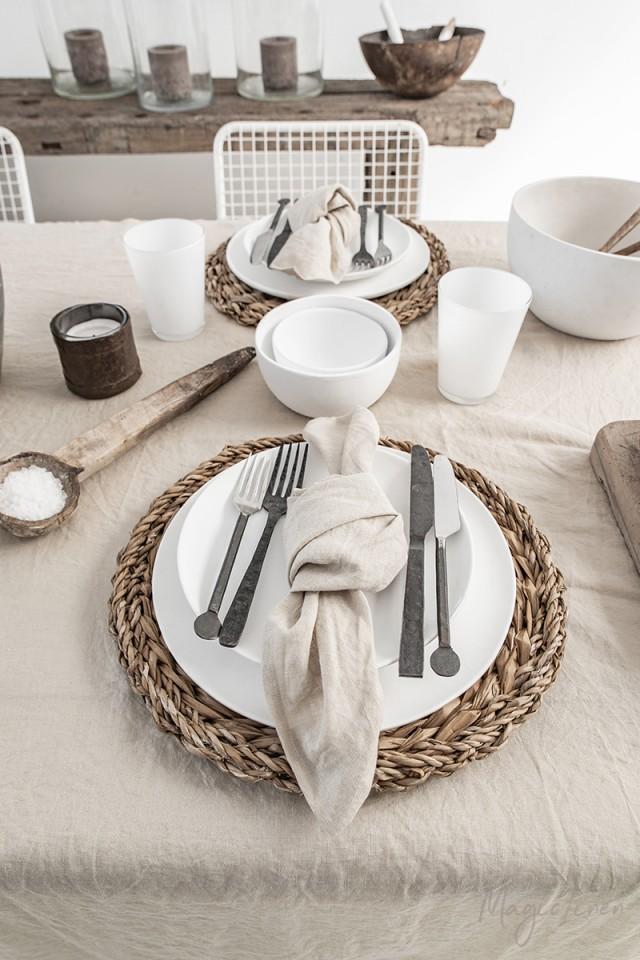 linen tablecloths and linen napkins